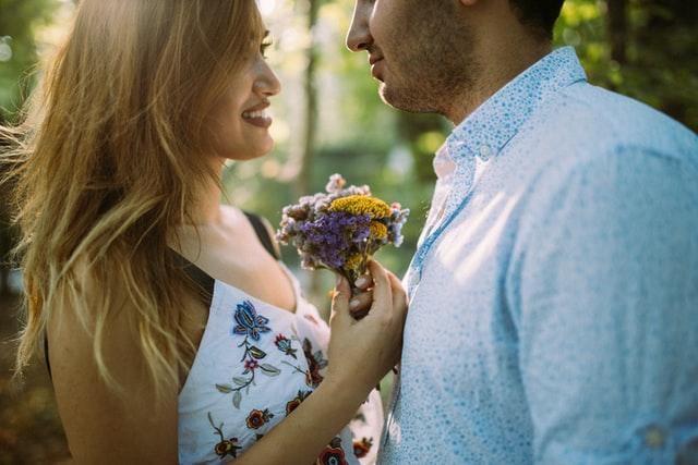 彼氏にプロポーズさせる方法を紹介!結婚を考えてくれない理由も徹底解説!