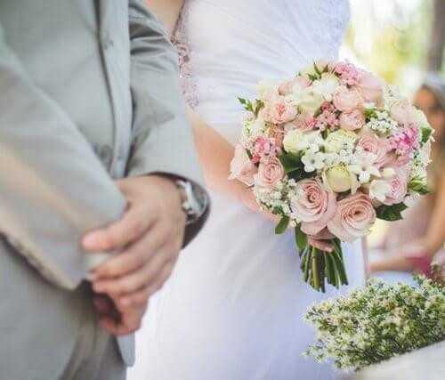 彼氏との結婚を迷う女性必見!迷ったときにチェックすべき5つのこと!