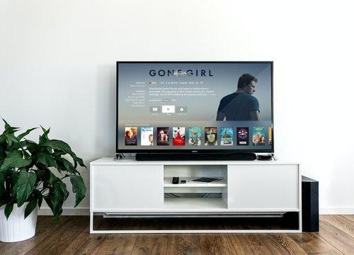 Huluの国内ドラマ5選!女性におすすめの人気作品を紹介!