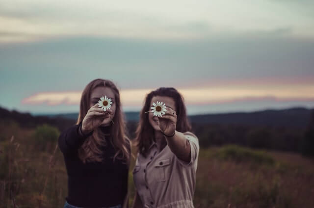 結婚報告に「むかつく」と感じた女性必見!友達にモヤモヤしたときの対処法を紹介!