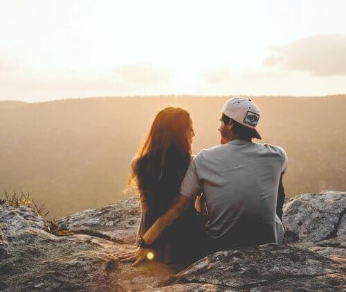 彼氏と貯金をしたい!結婚前に共同でお金を貯めるメリットとコツを解説!