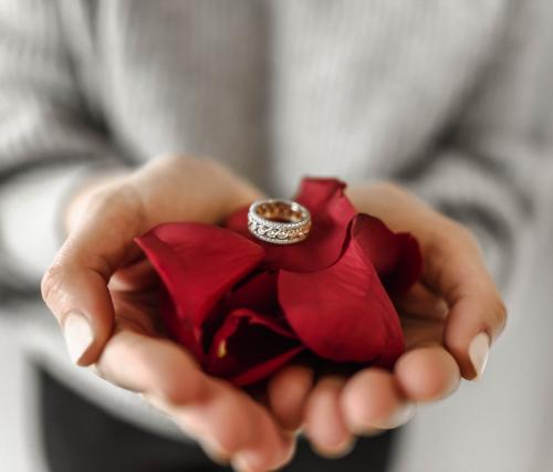 指輪のデザインの種類と素材を紹介!自分に似合うリングを選ぼう!【2020年最新】