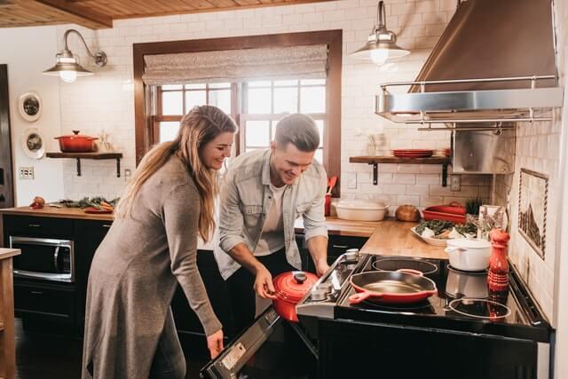 家デートで料理をしよう!おすすめのお肉を使ったメニュー7選を紹介!