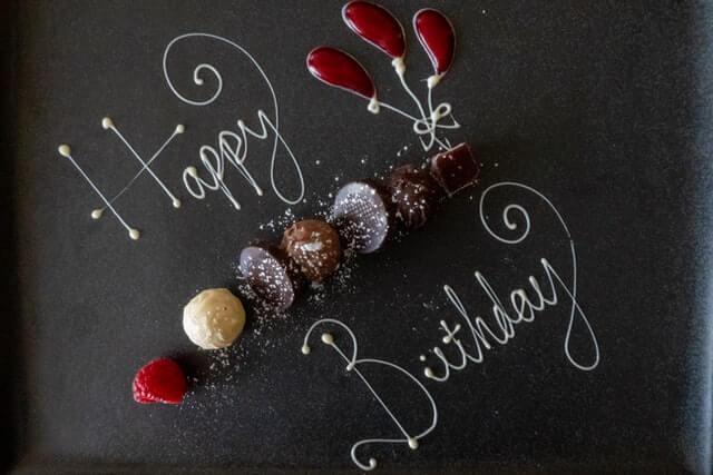 20代彼氏を喜ばせたい!誕生日に失敗しないための事前準備やプレゼントとは?